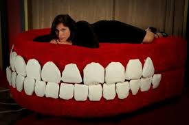 giant robotic chattering teeth couch fooyoh entertainment