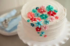 cake decorating learn the wilton method of cake decorating with emily tatak on