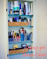 organize medicine cabinet organize your medicine cabinet fashionable hostess