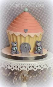 Easy Giant Cupcake Decorating Ideas Best 25 Giant Cupcake Mould Ideas On Pinterest Giant Cupcake