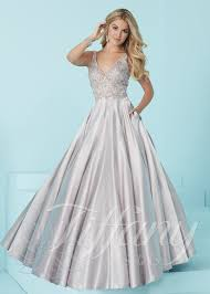 gown designs designs 16208 v neck a line gown rissyroos