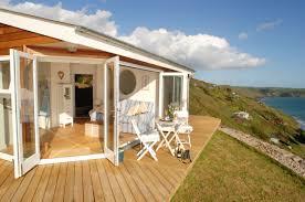oh my the edge luxury beach hut whitsand bay cornwall luxury