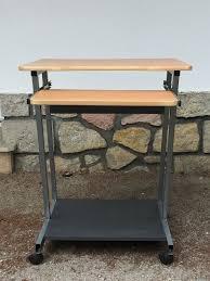 Etagere Metal Occasion Table De Lit A Roulettes Bureaux Occasion à Nimes 30 Annonces Achat Et Vente De Bureaux