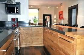 photo de cuisine amenagee cuisine amenagee bois cuisine aveyron en placage chane sciac charles