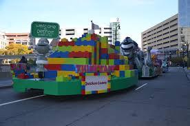 thanksgiving legos new quicken loans thanksgiving parade float shows the world detroit