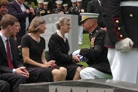 Marines Holding Flag 26th Commandant Laid To Rest A Hero U003e Headquarters Marine Corps
