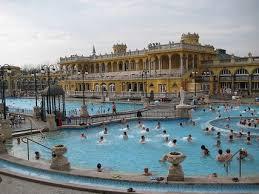bagno termale e piscina széchenyi bains széchenyi à budapest hungary guides de voyage mtrip