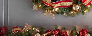 Decorating Large Christmas Wreaths by Great Outdoor Christmas Wreaths Design Decorating Ideas