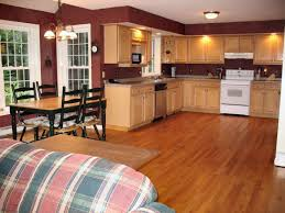 paint colors with medium oak cabinets kitchen paint colors