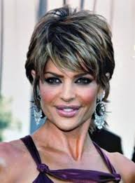 short hairstyles over 60 hair loss
