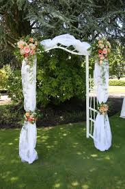 How To Make A Chuppah Best 25 Wedding Arch Tulle Ideas On Pinterest Wedding Alter