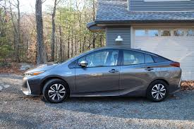 world auto toyota 2017 toyota prius prime gas mileage electric range review