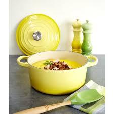 cuisine en cocotte en fonte fin de serie cocotte en fonte ronde 24 cm soleil le creuset