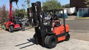 sumitomo yale 2 5t diesel forklift aussie forklift hire youtube