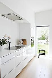 cuisine moderne blanc laqué la cuisine blanche laquée en 35 photos qui vont vous inspirer