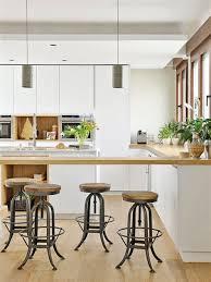 cuisine contemporaine blanche et bois cuisine contemporaine en bois 1 cuisine contemporaine blanc