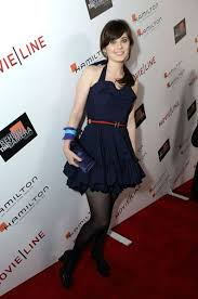 zooey deschanel u0027s navy dress with blue and red belt and blue