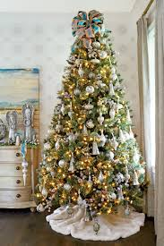 How To Put Christmas Lights On Tree by Christmas Tree Decorating Ideas Southern Living