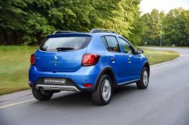 renault logan 2016 price renault sandero u0026 stepway 2017 specs u0026 pricing cars co za