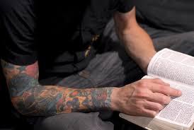 wel of geen tatoeage predikanten verschillen van mening cip nl