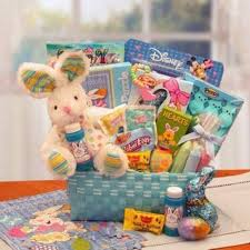 non food gift baskets teki 25 den fazla en iyi easter gift baskets fikri