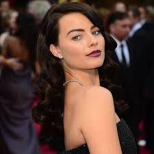 pictures of miss robbie many hairstyles whoa margot robbie debuts a major hair change vote on it