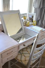 Bedroom Vanity Table With Mirror Best 25 Mirrored Vanity Desk Ideas On Pinterest Makeup Vanity