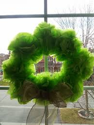 little townhome love tissue paper christmas wreath craft