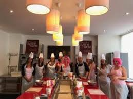 cours de cuisine evjf atelier et cours de cuisine anniversaire evjf bordeaux