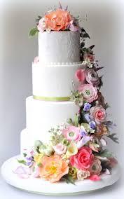 wedding cake flower pastel de boda decorado con guirnalda de flores www almostqueens