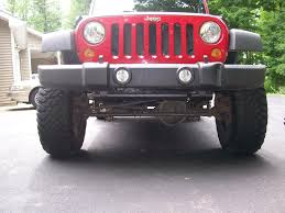 4 door jeep wrangler jacked up bent axle c u0027s or optical illusion jkowners com jeep wrangler