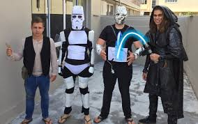 star wars costumes psbattle four guys and their budget conscious star wars costumes