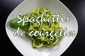 comment cuisiner une courgette recette vegan spaghettis de courgettes crues