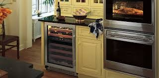 Under Cabinet Wine Fridge by A Mano Undercounter Beverage Centers Vs Wine Coolers