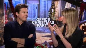 jason bateman jennifer aniston star in new comedy u0027office