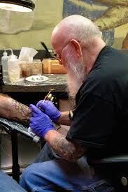 longtime tattoo artist keeps old approach arts and life