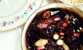 cuisiner de la joue de boeuf de bœuf en daube coquillettes au beurre par alain ducasse