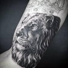 amazing lion with crown tattoo golfian com