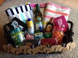 honey moon gifts honeymoon gift basket made this for my cousin she loved it