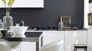 cuisine noir et rouge peinture pour carrelage mural cuisine collection et cuisine rouge