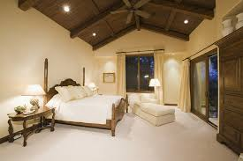 vaulted ceiling lighting ideas to beautify you home design