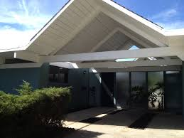 new palm springs home constructions based on original eichler