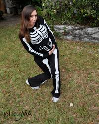 Ladies Skeleton Halloween Costume by Diy Halloween Costume Diy Pregnant Skeleton Costume Diy