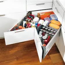 meubles angle cuisine 12 astuces gain de place pour aménager ma cuisine corner
