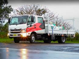 hino 300 series 921 crew cab truck video review