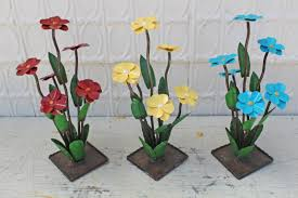 Recycled Garden Art Yard Art Blooming Flowers Recycled Metal Daisies In 3 Sizes