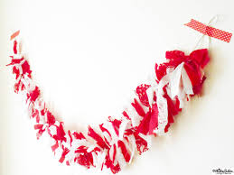tutorial tuesday fabric scrap christmas garland eliston button