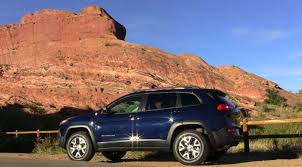 jeep trailhawk blue quick take 2014 jeep cherokee trailhawk is also good for paved