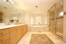 Acorn Bathroom Furniture 623 Acorn Glendale Ca 91206 1724 1 499 000 Www Addorabeall