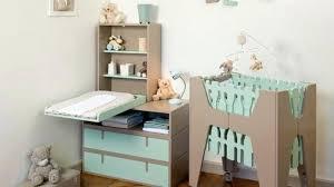 amenager un coin bebe dans la chambre des parents chambre bebe petit espace bureau denfant et dado pour